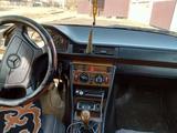 Mercedes-Benz E 230 1992 года за 1 100 000 тг. в Усть-Каменогорск – фото 5
