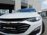 Chevrolet Malibu 2020 года за 12 430 000 тг. в Караганда – фото 3