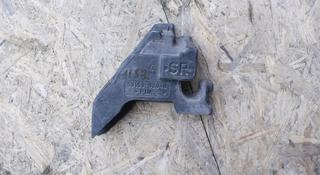 Уплотнитель крыла правый поролоновый на Corolla e180 оригинал за 5 000 тг. в Нур-Султан (Астана)