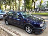 Volkswagen Vento 1995 года за 1 750 000 тг. в Шымкент