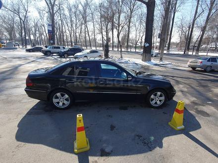 Mercedes-Benz E 240 2002 года за 2 700 000 тг. в Алматы – фото 4