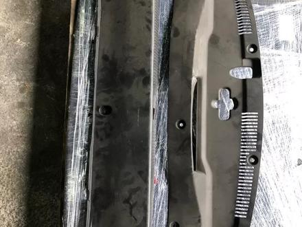 Защита двигателя подкапотная на Lexus GS350 s190 за 111 тг. в Алматы