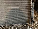 Основной радиатор на БМВ Е34 автомат за 25 000 тг. в Караганда – фото 2