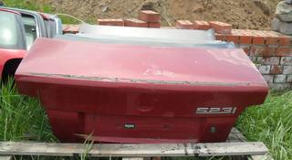 Крышка багажника на BMW e39 за 20 000 тг. в Костанай
