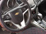 Chevrolet Cruze 2013 года за 4 400 000 тг. в Семей – фото 2