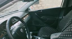 Volkswagen Passat 2007 года за 3 600 000 тг. в Атырау – фото 5