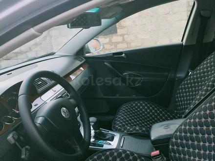 Volkswagen Passat 2007 года за 3 800 000 тг. в Атырау – фото 5