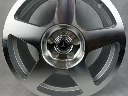 Комплект дисков Mercedes 5075 8 17/5 112 D66.6 ET35 S за 200 000 тг. в Алматы – фото 2