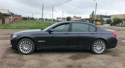 BMW 750 2010 года за 6 500 000 тг. в Алматы – фото 3