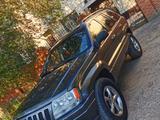 Jeep Grand Cherokee 2002 года за 2 600 000 тг. в Актобе