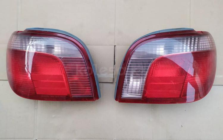 Задние фонари на Toyota Yaris за 555 тг. в Шымкент