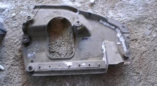Пыльник переднего бампера на LX570 с 14 года правый оригинал… за 5 000 тг. в Нур-Султан (Астана)