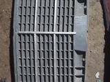 Решетка радиатора Мерседес за 10 000 тг. в Алматы
