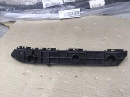 Крепление переднего бампера Lexus LX570 за 5 000 тг. в Алматы