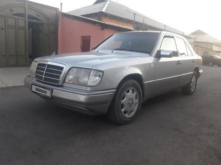 Mercedes-Benz E 220 1994 года за 2 000 000 тг. в Туркестан