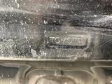 Капот на таета Хайлаендр в орегинале есть маленький дефект за 40 000 тг. в Шымкент – фото 2