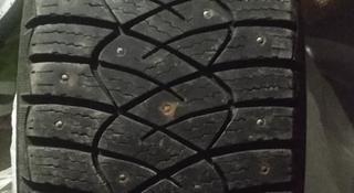 Две резины зимних шипованных шин. за 25 000 тг. в Караганда