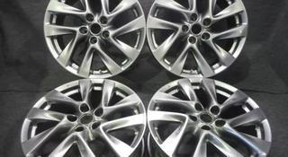 Диски оригинальные из Японии. Nissan j7.5 ET50 за 200 000 тг. в Алматы