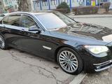 BMW 750 2013 года за 11 800 000 тг. в Алматы – фото 2