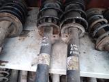 Стойки пружины BMW E46 за 586 тг. в Караганда