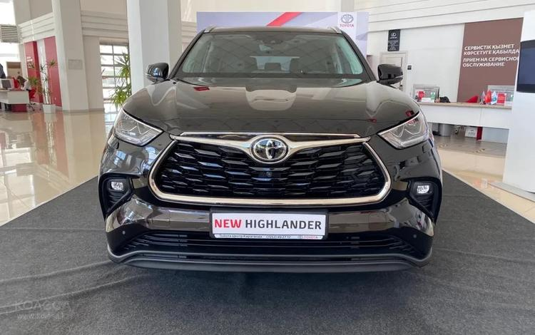 Toyota Highlander Luxe 2021 года за 32 000 000 тг. в Караганда