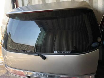 Крышка багажника на Тойота Гая 1998-2004г. В за 30 000 тг. в Алматы