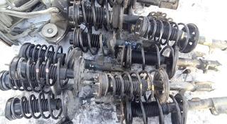 Стойка амортизатор передний задний в сборе Toyota Camry 30 за 20 000 тг. в Семей