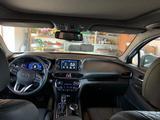Hyundai Santa Fe 2019 года за 14 500 000 тг. в Уральск – фото 3