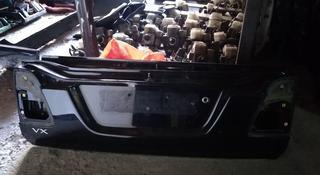 Крышка багажника нижняя часть Toyota Land Cruiser 100 в Алматы