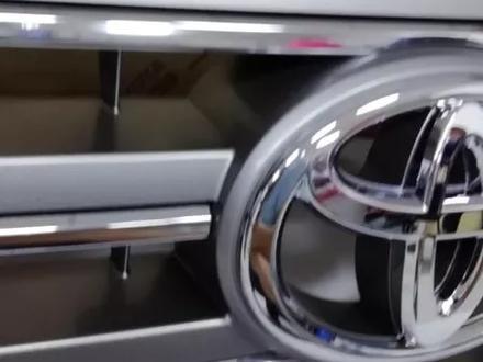 LC200 Рестайлинг 2016-Решетка радиатора (под камеру) за 75 600 тг. в Алматы – фото 4