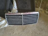 Мерседес решётка радиатора за 15 000 тг. в Тараз