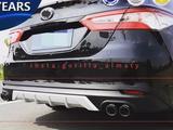 Накладка на задний бампер (диффузор) Toyota camry 2018 (XV70) за 35 000 тг. в Алматы