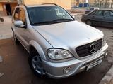 Mercedes-Benz ML 430 2001 года за 2 500 000 тг. в Шымкент – фото 2