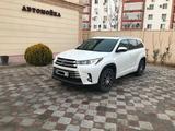 Toyota Highlander 2018 года за 20 500 000 тг. в Актау