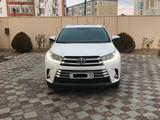 Toyota Highlander 2018 года за 20 500 000 тг. в Актау – фото 2