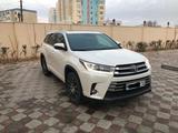 Toyota Highlander 2018 года за 20 500 000 тг. в Актау – фото 3
