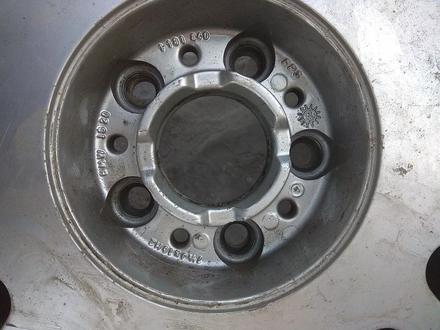 Оригинальные легкосплавные диски R16 на BMW E38 (Япония 5*120 ЦО72 за 170 000 тг. в Нур-Султан (Астана) – фото 12