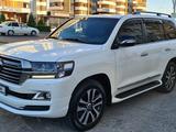 Toyota Land Cruiser 2018 года за 31 750 000 тг. в Шымкент – фото 2