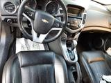 Chevrolet Cruze 2012 года за 3 400 000 тг. в Атырау – фото 2
