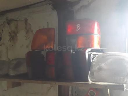 Задние фонари на фольксваген т4 за 5 000 тг. в Костанай – фото 2