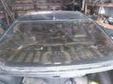 Заднее стекло оригинальное за 45 000 тг. в Кокшетау