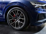 Audi Q8 55 TFSI Quattro 2021 года за 53 754 000 тг. в Алматы – фото 5