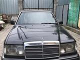 Mercedes-Benz E 220 1993 года за 1 500 000 тг. в Алматы – фото 2