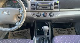 Toyota Camry 2004 года за 4 300 000 тг. в Актау – фото 5