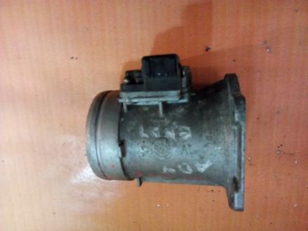 Волюметр дмрв расходомер воздуха Volkswagen Golf 3 037906461B AEH60-10A за 30 000 тг. в Усть-Каменогорск – фото 2