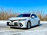 Toyota Camry 2018 года за 13 500 000 тг. в Павлодар – фото 2
