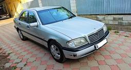 Mercedes-Benz C 200 1996 года за 1 800 000 тг. в Алматы – фото 2