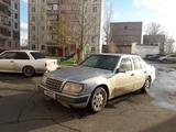 Mercedes-Benz E 220 1993 года за 1 100 000 тг. в Нур-Султан (Астана) – фото 2