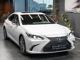 Lexus ES 250 2021 года за 25 500 000 тг. в Алматы