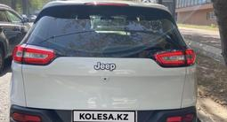 Jeep Cherokee 2014 года за 9 600 000 тг. в Алматы – фото 2